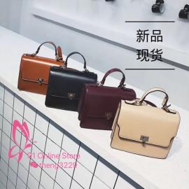 image of 新款复古单肩斜挎包 / New wild retro shoulder messenger bag