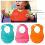 Tommee Tippee Roll 'N' Go Bib-Ready Stock