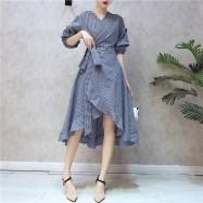 image of Korean retro plaid ruffled dress 复古格子荷叶边连身裙