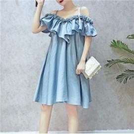 image of Off shoulder three-dimensional lace dress 立体花边吊带一字领连身裙