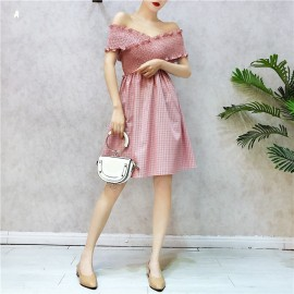 image of Off shoulder Fold Elastic Cross Neck Plaid Dress 褶皱弹力交叉一字领格子连身裙