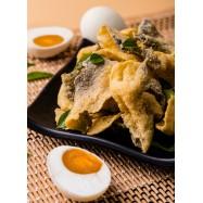 image of Salted Egg Crispy Fish Skin 黄金咸蛋香脆鱼皮