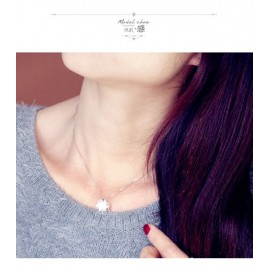 image of 3D Crystal Flower Necklace(18KGP)