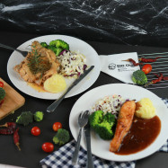 image of Salmon and Grill Chicken Set