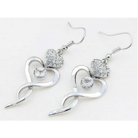 image of Dangle Heart Earrings use Austrian Crystal XE489