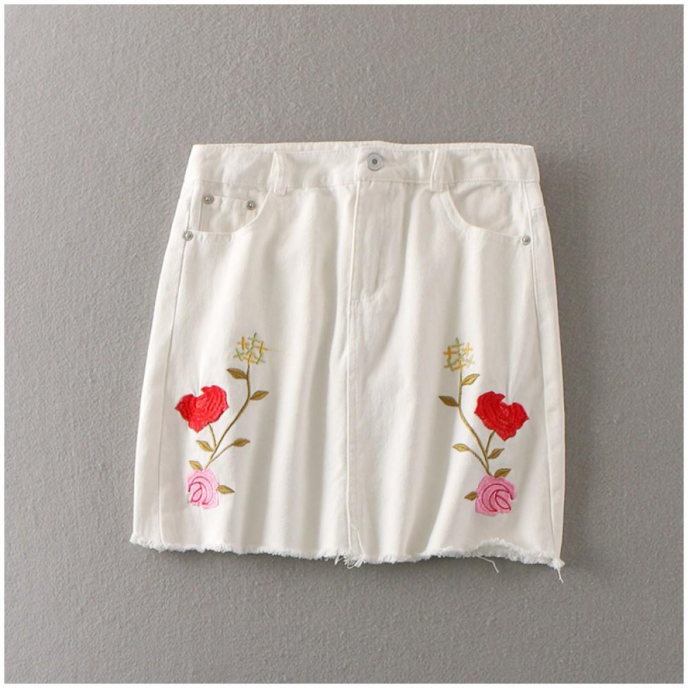 d09c921ba3 * Ready Stock * Moto White Rose Embroidered Skirt