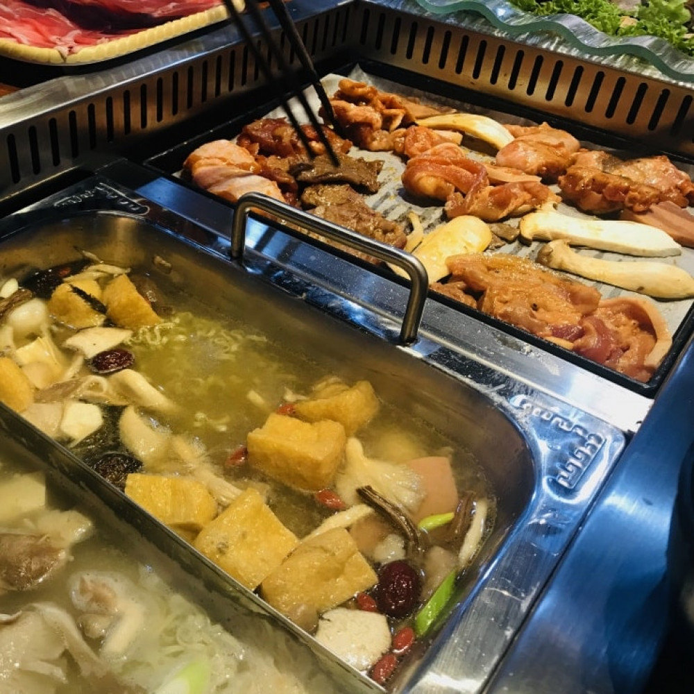 Asian Seafood Steamboat with Drink for 1 Adult