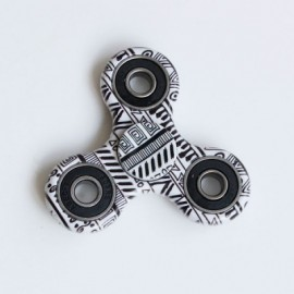 image of GRAPHIC PATTERN FOCUS TOY FIDGET HAND SPINNER (BLACK) -