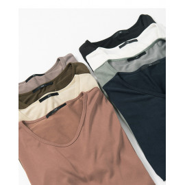 image of 素面V領柔軟棉質上衣 八色售 Plain V-Neck Soft Cotton Top Eight Colors