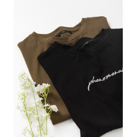 image of 草寫刺繡圖案短袖棉T 兩色售 Sketched Embroidery Pattern Short-Sleeved Cotton T Two-Colors