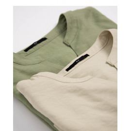 image of 素面V領蓬袖雪紡上衣 兩色售 Plain V-Neck Pleated Chiffon Top Two-Colors