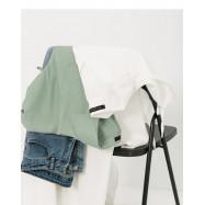 image of 休閒素色V領造型短袖上衣 兩色售 Casual Plain V-Neck Shape Short-Sleeved Shirt Two-Colors