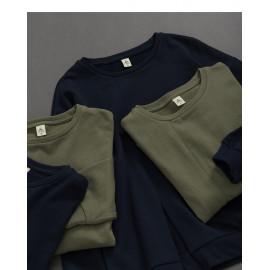 image of 基本百搭素面開衩剪接長袖棉T 兩色售 Basic Versatile Plain Open Cut Long Sleeve Cotton T Two Colors