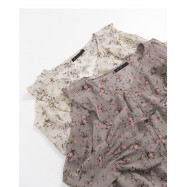 image of 碎花荷葉領雪紡上衣 兩色售 Floral Lotus Leaf Collar Chiffon Top Two-Colors