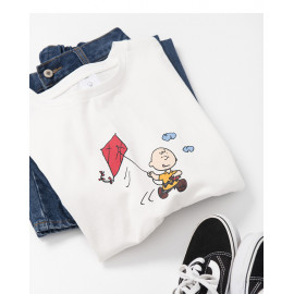 image of 查理.布朗放風箏印圖T恤 Charlie Brown Playing Kite Print T-Shirt
