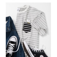 image of 查理‧布朗單口袋條紋人物印花T恤 Charlie Brown Single Pocket Striped Character Print T-Shirt
