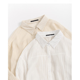 image of 微透感坑條長版襯衫 兩色售 Micro-Transparent Crater Long Shirt Two-Colors