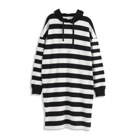 image of 寬版條紋連帽長版洋裝 Wide Stripe Hooded Long Dress