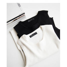 image of 下擺捲邊造型坑條針織無袖上衣 兩色售 Hem Woven Sleeveless Shirt Two Colors