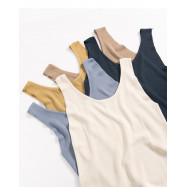 image of 素面U領針織背心 五色售 Plain-Faced U-Neck Knit Vest Five Colors