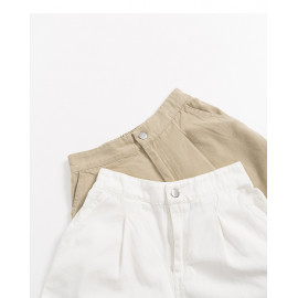 image of 素面銀釦後鬆緊短褲 兩色售 Plain Silver Buckle Elastic Shorts Two Colors