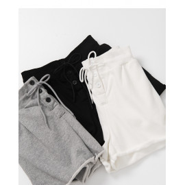 image of 排釦抽繩設計棉質短褲 三色售 Row Of Drawstring Design Cotton Shorts Three Colors
