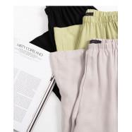 image of 簡約素色滑面質感鬆緊腰寬褲 三色售 Simple Plain Smooth Texture Elastic Waist Wide Pants Three Colors