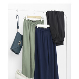 image of 純色棉質鬆緊寬褲 三色售 Solid Color Cotton Elastic Wide Pants Three Colors
