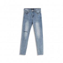 image of 單膝刷破造型窄管牛仔褲 One-Knee Brushed Narrow Tube Jeans