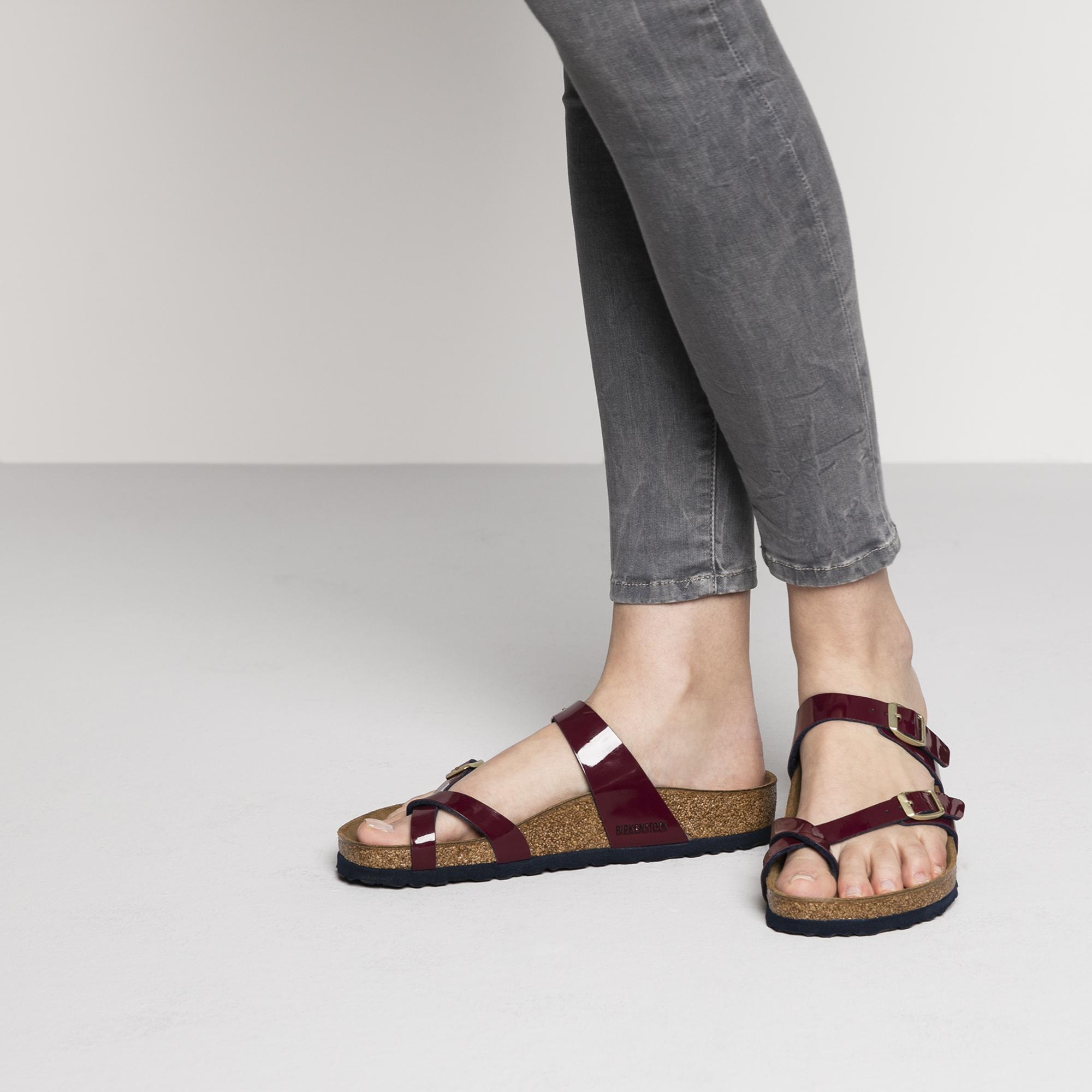0cd02b1faf51 PRODUCT DESCRIPTION. Jaunty and modern! The BIRKENSTOCK Mayari thong sandal  ...